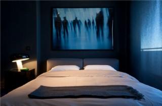 現代時尚臥室黑色花紋掛畫室內裝修效果圖